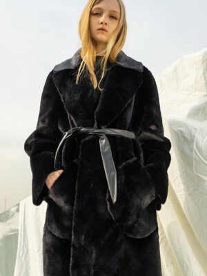 Reversible Eco Fur Mustang_Black