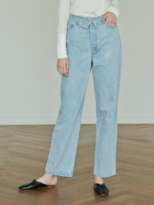 HIGH-WAIST WIDE-LEG DENIM PANTS (LIGHT BLUE)