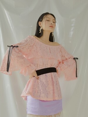 Daisy Lace Off-shoulder Blouse [Pink]