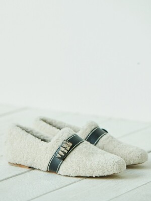 lamb fur loafer_ivory
