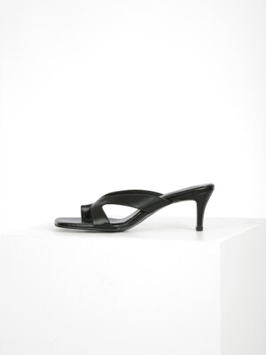 CUT OUT STRAP MULE - BLACK