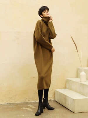 Cashmere turtleneck dress_Mocha