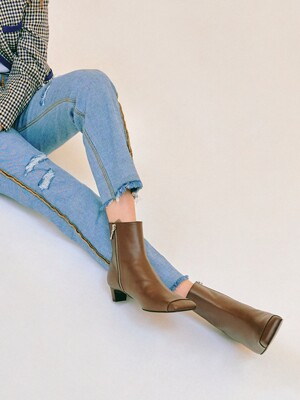 [EXCLUSIVE]Square-toe Ankle boots/ Deep Brown
