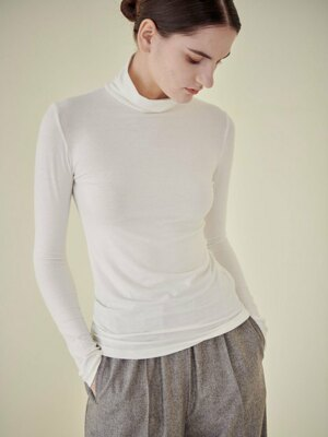 FLUFFY TURTLE NECK T-SHIRT_IVORY