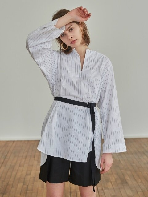 18SS SQUARE V-NECK STRIPE SHIRT WHITE