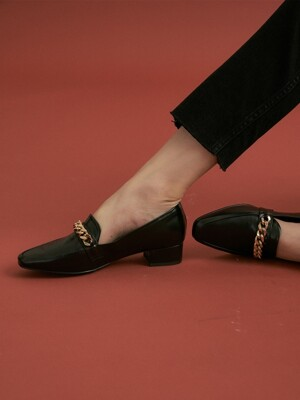 noa chain loafer - black