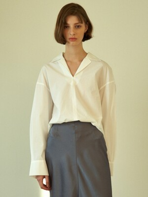 boxy shirt (white)