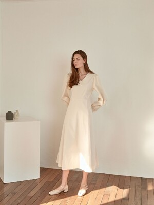 wearable v-neck dress[beige]