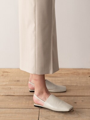 SQUARE-TOE SLINGBACK SANDALS (IVORY)