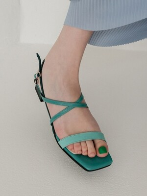 Petal capture flat strap sandal_Gradation peacock green