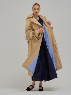 NEIDA Oversized Back Point Raglan Trench Coat Beige