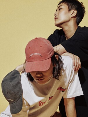 RED PIGMENT NEW PEOPLE CAP