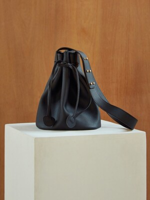 J237 Simple bucket bag (black)