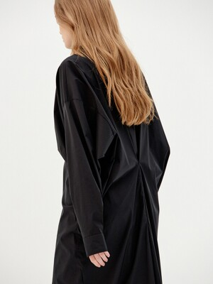 IN THE SHIRT DRESS (BLACK)