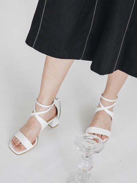 LW18SM-2-1 Strappy sandals_White
