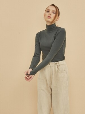 NEW TRUE WOOL TURTLE NECK GREEN