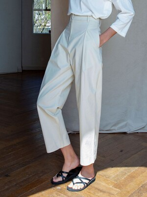 SI PT 7002 One Tuck balloon Pants_Cream