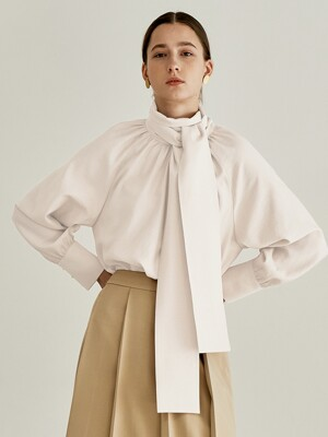 TIE SHIRRING BLOUSE IVORY