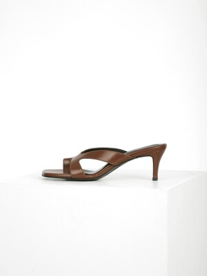 CUT OUT STRAP MULE - BROWN