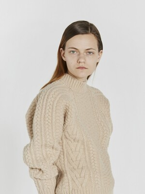 CABLE KNIT WOOL SWEATER (BEIGE)