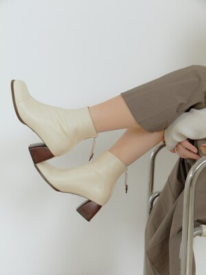 mallee ankle boots - ivory