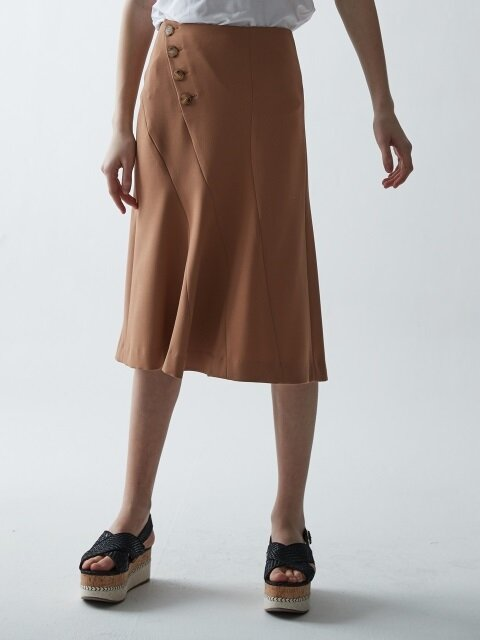CURVES BUTTON FLARE SKIRT_BEIGE