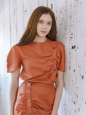 BUTTON SHIRRING TOP ORANGE-BROWN