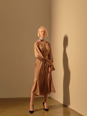 PONIT CUFFS AND BELT DRESS_BEIGE