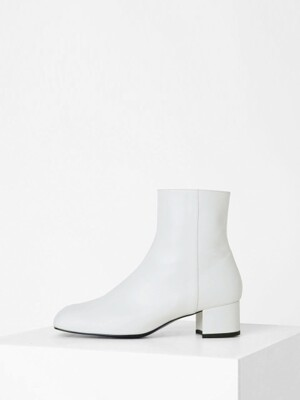 PRISM ANKLE BOOTS - WHITE