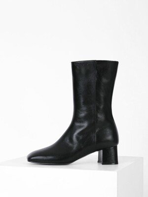 SQUARE MIDDLE ANKLE BOOTS - BLACK
