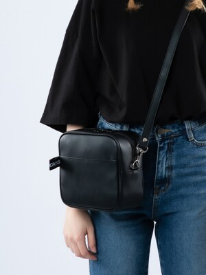 NEMO MINI CROSS BAG MAT BLACK