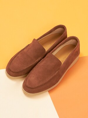 Traveler Loafer R19W071 (Horse Suede)