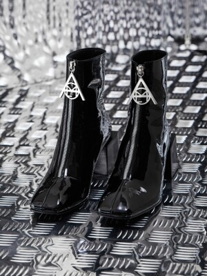NEW YEAR COLLECTION LOGO ZIPPER BOOTS_BK