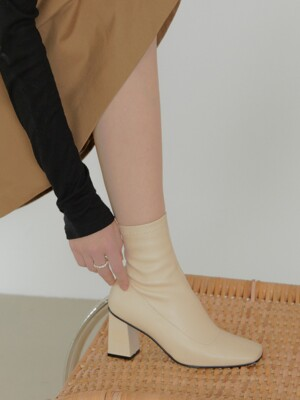 mari ankle boots - ivory