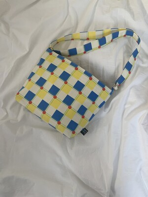 club chekc yellow cross bag