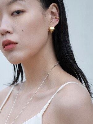 Signature gold heart earring