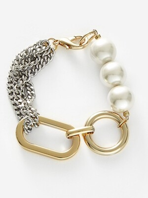 big shape bold chain and pearl bracelet