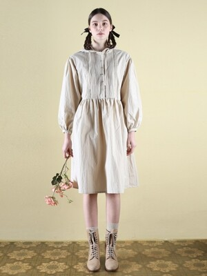 0 6 pintuck hood dress - beige