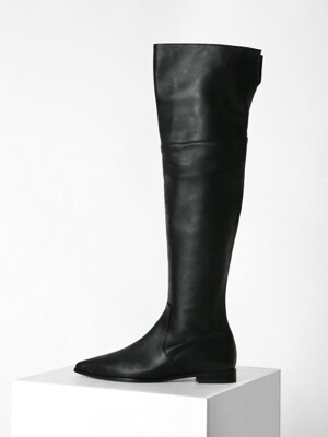POINTED KNEE-HIGH BOOTS - BLACK