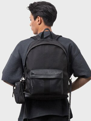 RE-PROPER BACKPACK _ BLACK/WHITE