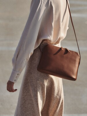 Around W medium shoulder bag Smoky Tan