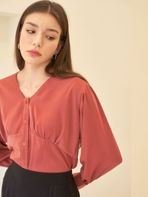 LINE SHIRRING BLOUSE RED