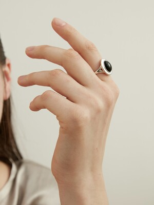 Every Oval Ring - Black Onyx