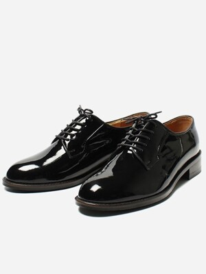 Classic Derby R15W207 (Black Patent)