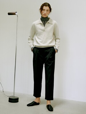 [Thermal Pants Collection] Wool-blend One Tuck Tapered Trousers