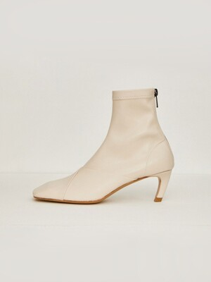 19FW SQUARE BOOTS - IVORY