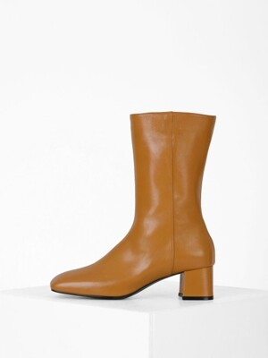SQUARE MIDDLE ANKLE BOOTS - CAMEL