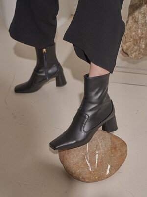 [at SALONDEJU] Square-toe leather boots/ Black