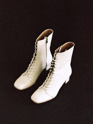 rim014 laceup boots (ivory)