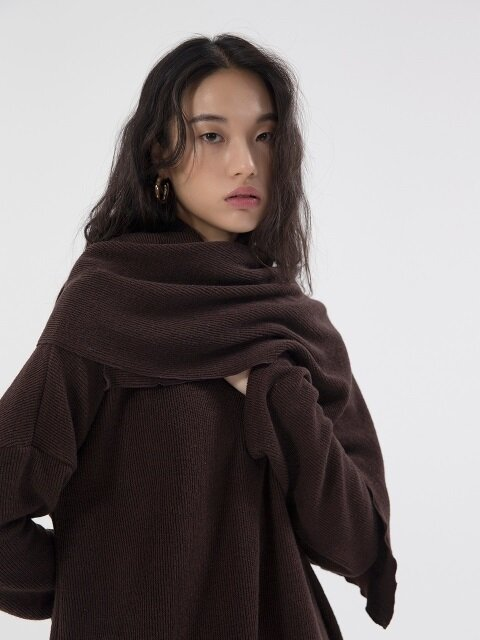 Warm Knit Muffler - Brown